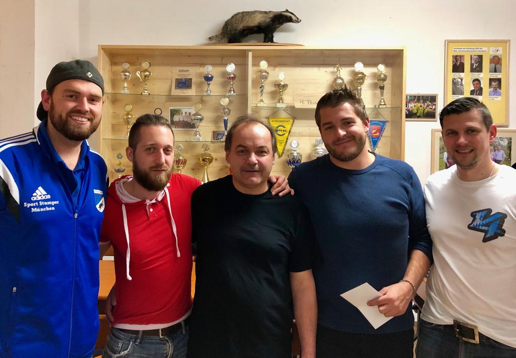 Alter Hase gewinnt Premiere vom FC Pasenbach Schafkopfturnier